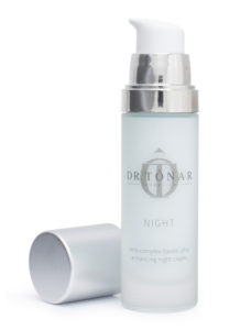Topsi Hautbedürfnisse: Fahle Haut zum Leuchten bringen. Natürlicher Glow für die Haut mit Dr. Tonar Night