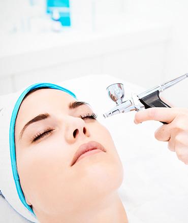 Topsi Hautbedürfnisse: Erste Hilfe für schlaffe Haut. Straffung pur, Volumenaufbau und Hautverfeinerung mit QMS Oxygen Behandlung