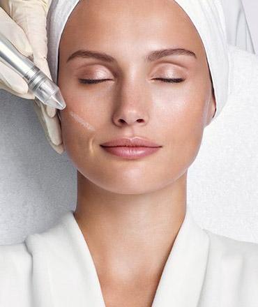 Topsi Hautbedürfnisse: Hilfe für unreine, großporige und vernarbte Haut. Reviderm Mikrobrasion