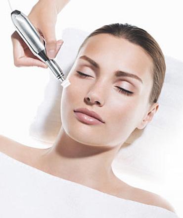 Topsi Individuelle Hautbedürfnisse: Erste Hilfe gegen Pigmentflecken mit Reviderm Skinneedler